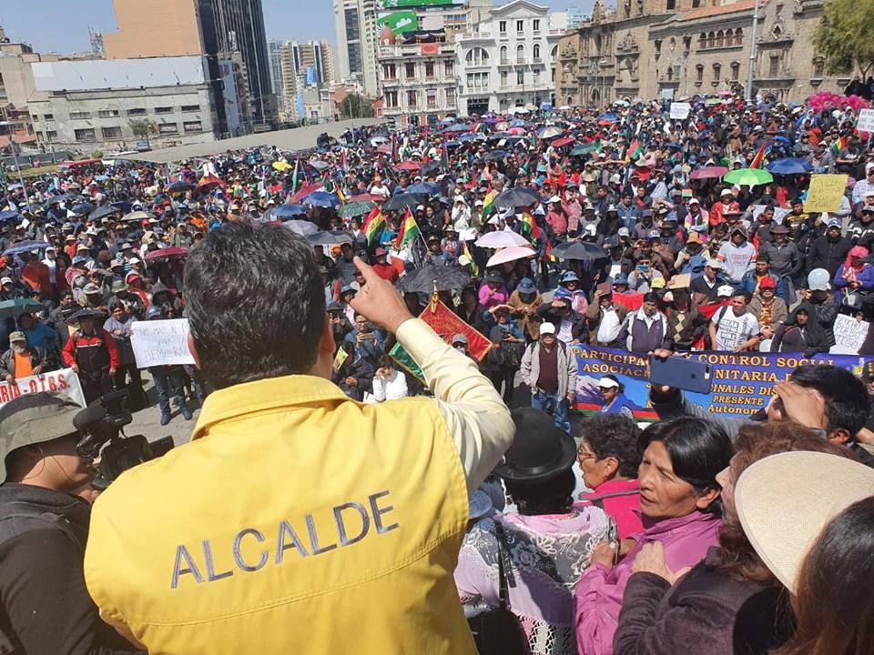 Asamblea de la Paceñidad realiza marcha multitudinaria en respaldo a la gestión de Revilla