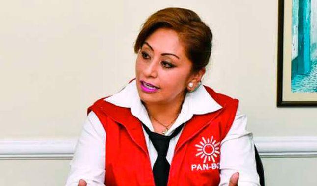 Candidata presidencial de Pan-bol pide a los demás candidatos que renuncien a sus cargos para diferenciar sus trabajos públicos de sus campañas electorales