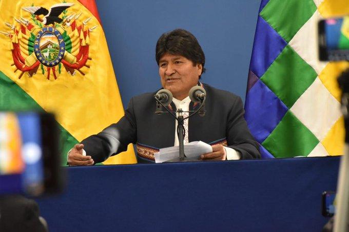 Morales califica de mezquinos a opositores que critican los gastos del equipamiento para la Casa Grande del Pueblo