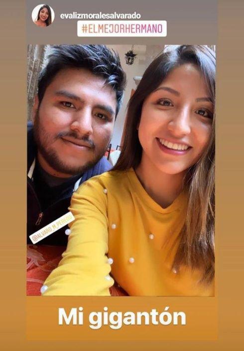 Morales felicita a su hijo por aprobar el examen para su titulación como ingeniero civil