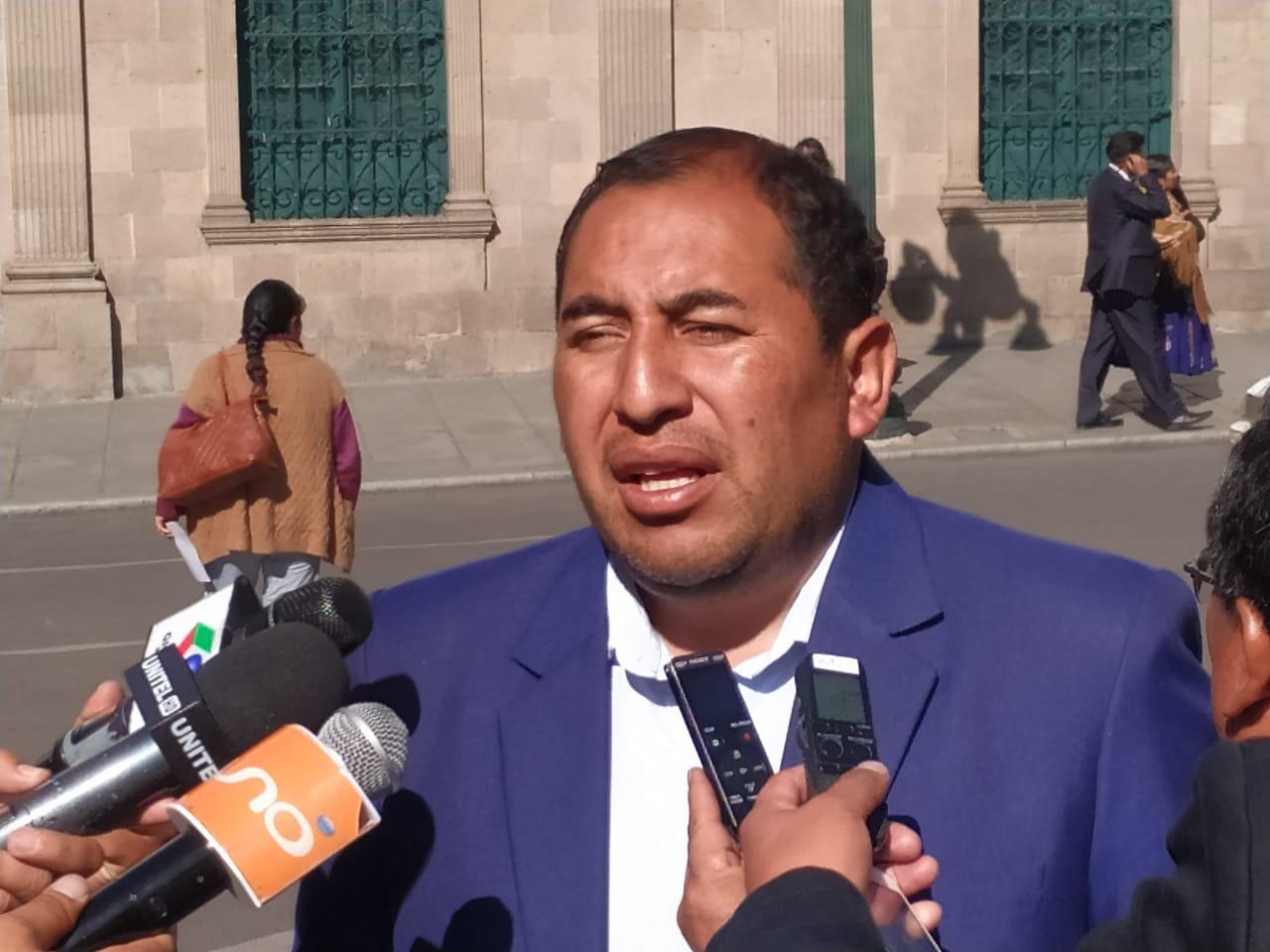 Santamaría y Quispe presentarán denuncia contra decano del Consejo de la Magistratura por manipulación de proceso judicial