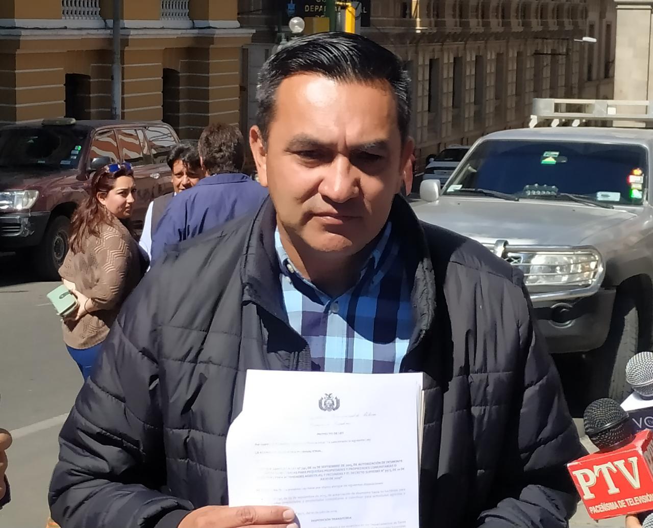 Senador Núñez presenta proyecto de ley para abrogar decretos supremos que permitan la quema de áreas forestales