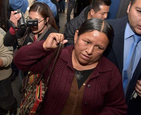 Tribunal de Sentencia retira la orden de aprehensión contra Nemesia Achacollo