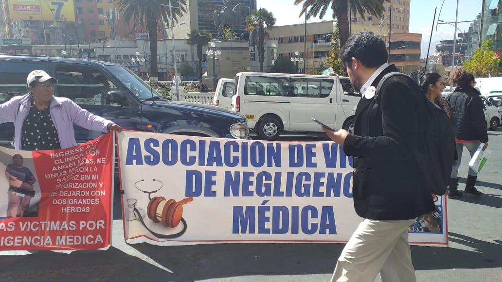Víctimas de mala praxis médica advierten con instalar huelgas de hambre para exigir que el Ministerio de Salud atienda sus demandas