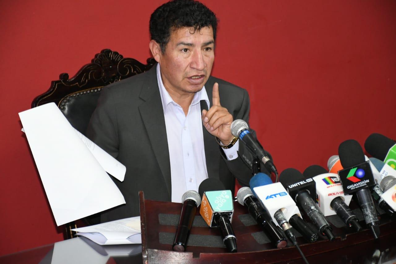 Borda advierte que algunos actores políticos utilizan los incendios para favorecer a su partido político