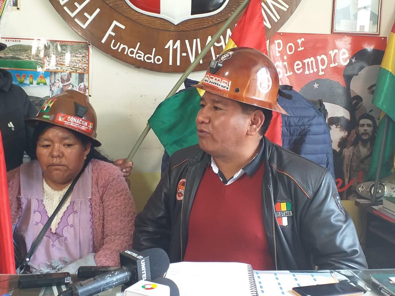 Mineros de San Cristóbal llegan a La Paz para exigir al Gobierno que ratifique la declaratoria de paro legal de su sector