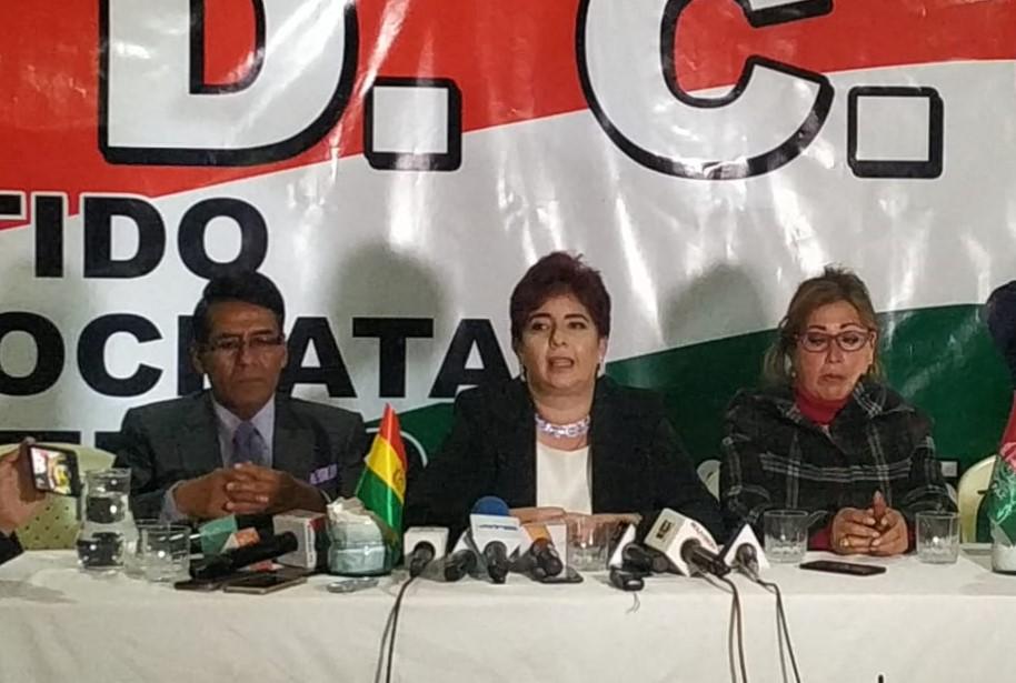 Candidata a la Vicepresidencia del PDC anuncia su renuncia irrevocable