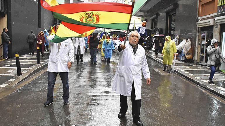 Sirmes rechaza el acuerdo entre el gobierno y los directores de hospitales públicos y ratifica que las marchas continuarán