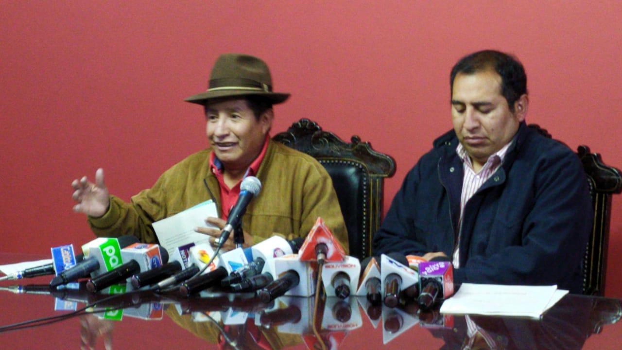 TDJ acepta tratar la acción popular presentada por la oposición contra paros y bloqueos de los chóferes