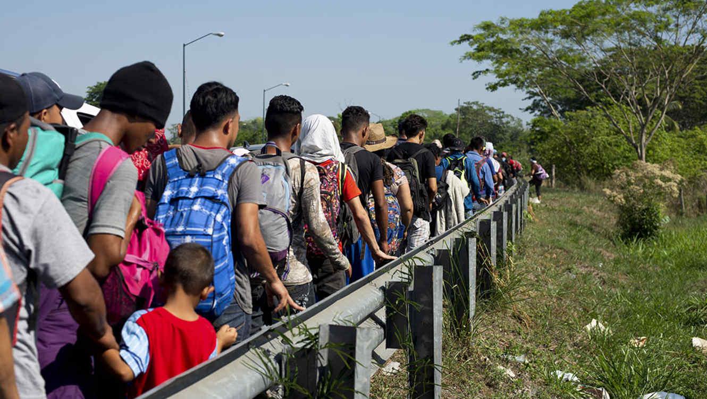 El Gobierno mexicano anuncia que el flujo de migrantes hacia EE.UU. descendió un 56 %