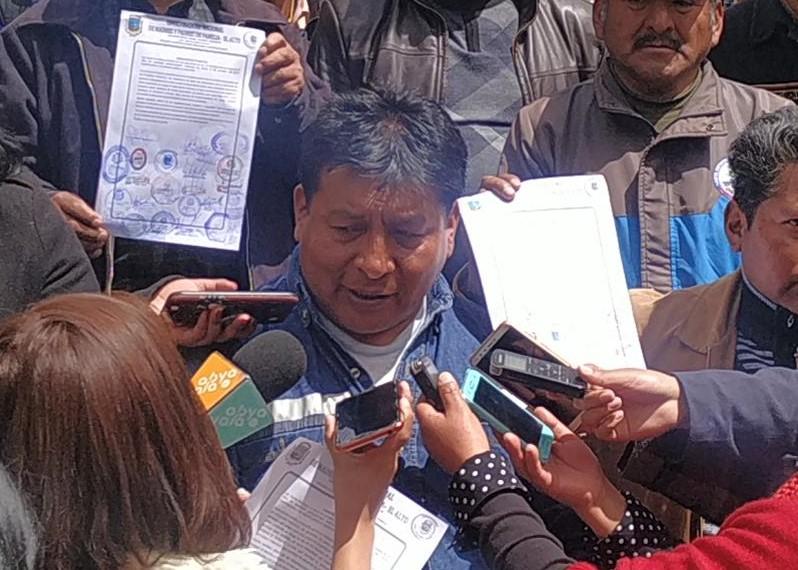 Coordinador de las juntas escolares de El Alto exhortan a los médicos levantar el paro de manera inmediata