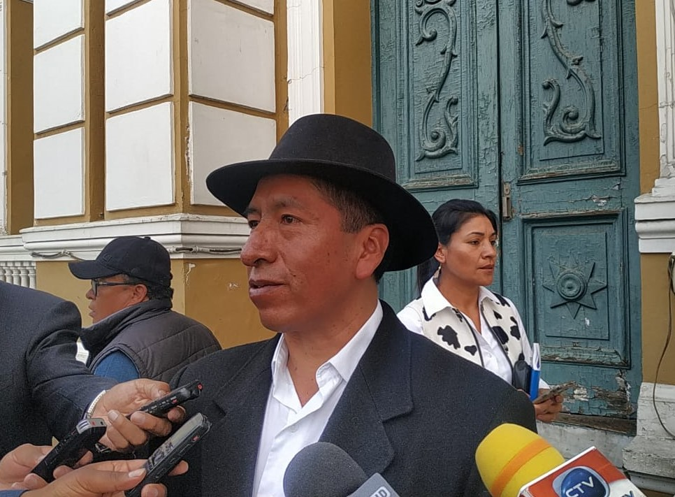 Cusi denunciará a Morales por delito de Lesa Humanidad y convoca a un cabildo pacífico