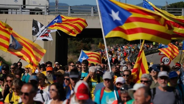 """Independentismo Catalán convocan a 5 marchas a pie para protestar contra la sentencia del """"procés"""""""