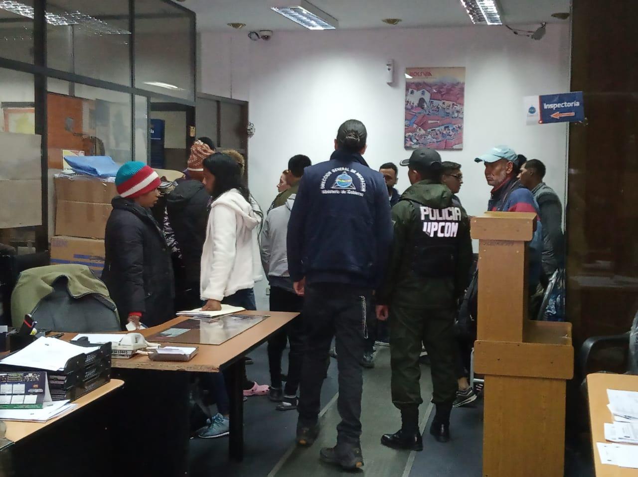 Migración identifica a más de 45 extranjeros con ingreso irregular en La Paz tras la finalización del plazo de regulación migratoria