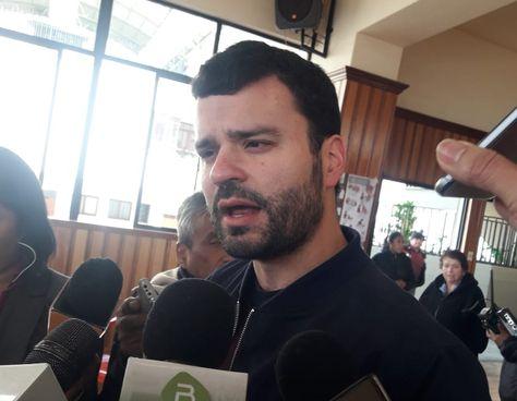 Ministro Canelas pide al dirigente Marco Pumari que deje de escudarse en COMCIPO