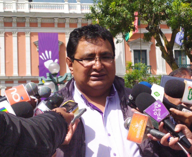 Oposición prepara acción popular contra mineros por vulnerar el Decreto Supremo 2888 al usar dinamitas en sus protestas