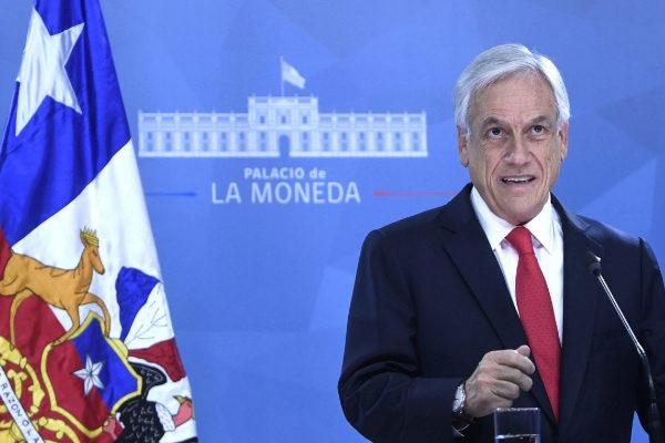Piñera pide perdón a los chilenos y presenta un plan para tratar de apaciguar la crisis