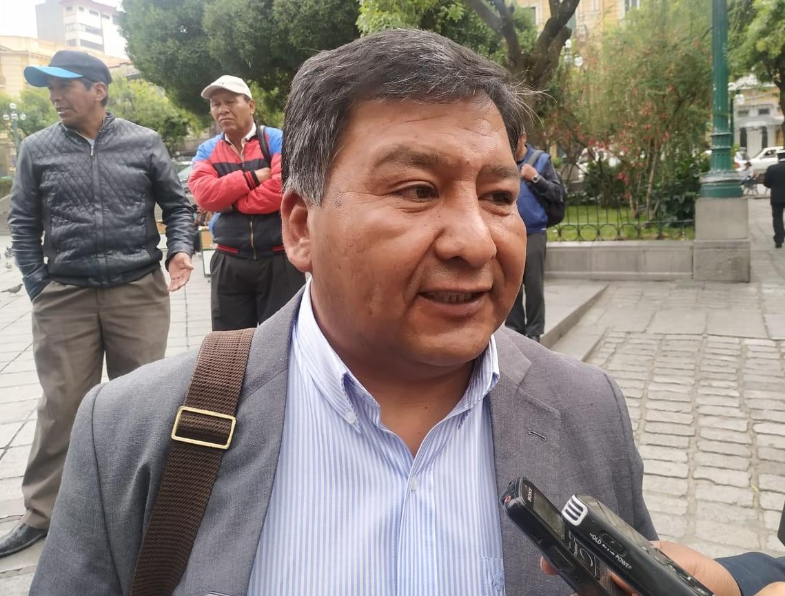 Presidente del Consejo Nacional Cristiano advierte que no votarán por el MAS ni por CC sino por PDC