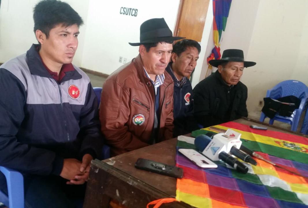 CSUTCB analiza masificar sus bloqueos de carreteras en defensa de Morales