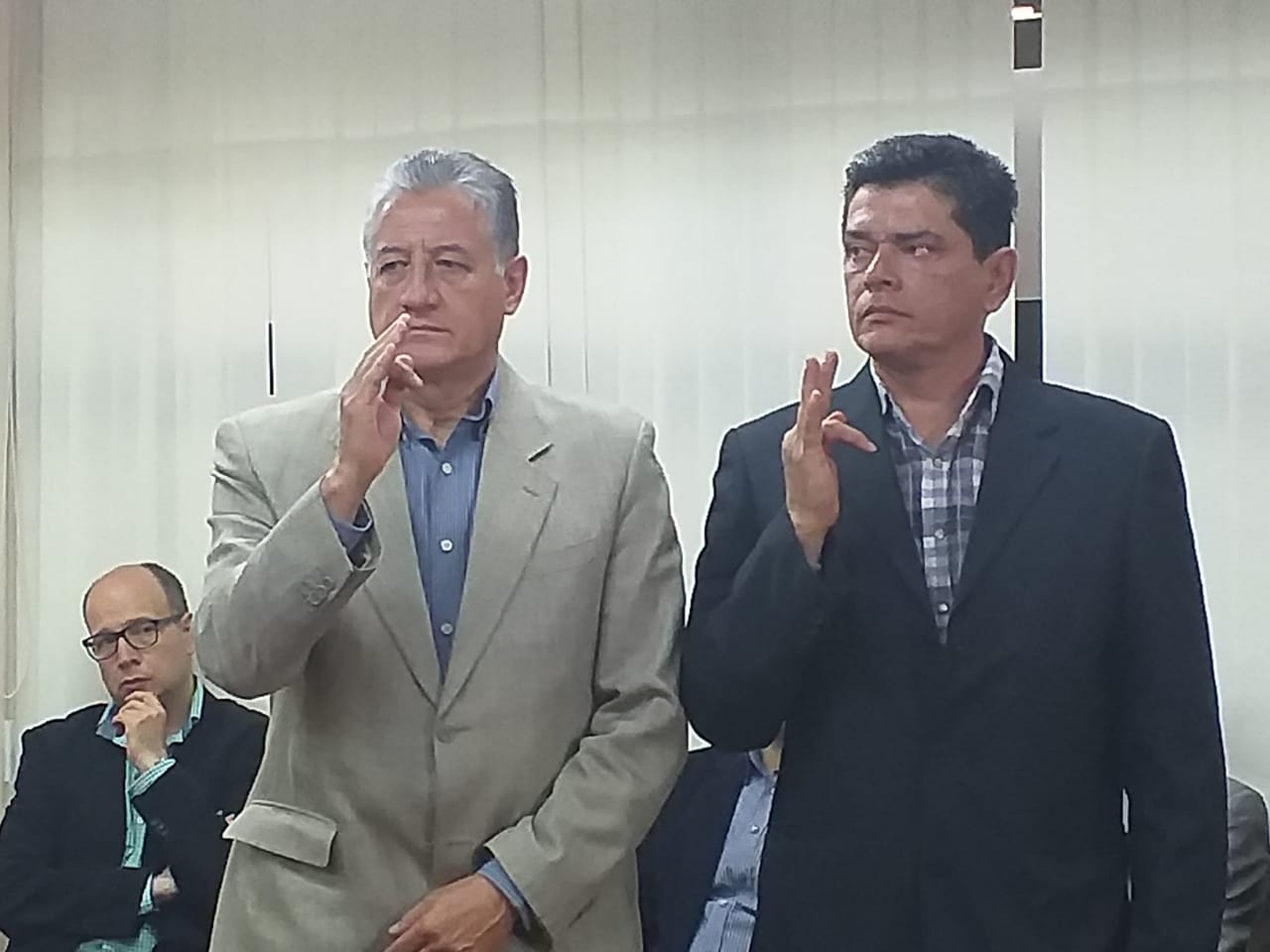 Ministerio de Desarrollo posesiona a Luis Añez y Ademar Guzmán como nuevos viceministros