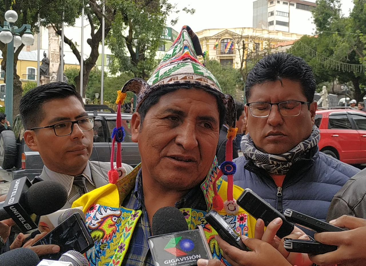 Ministerio de Descolonización informa que recibió denuncias contra Morales por presunta discriminación