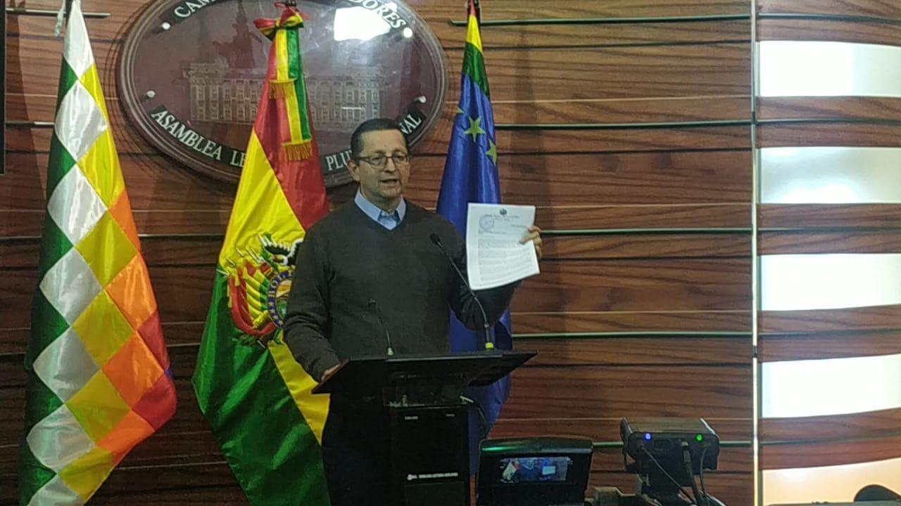 Ortiz denuncia la transferencia irregular de $us 15.000.000 de Seguros Provida S.A.