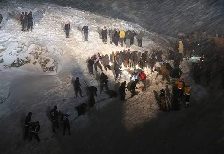 Avalancha en Turquía mata a más de 30 rescatistas que buscaban a víctimas de otro alud