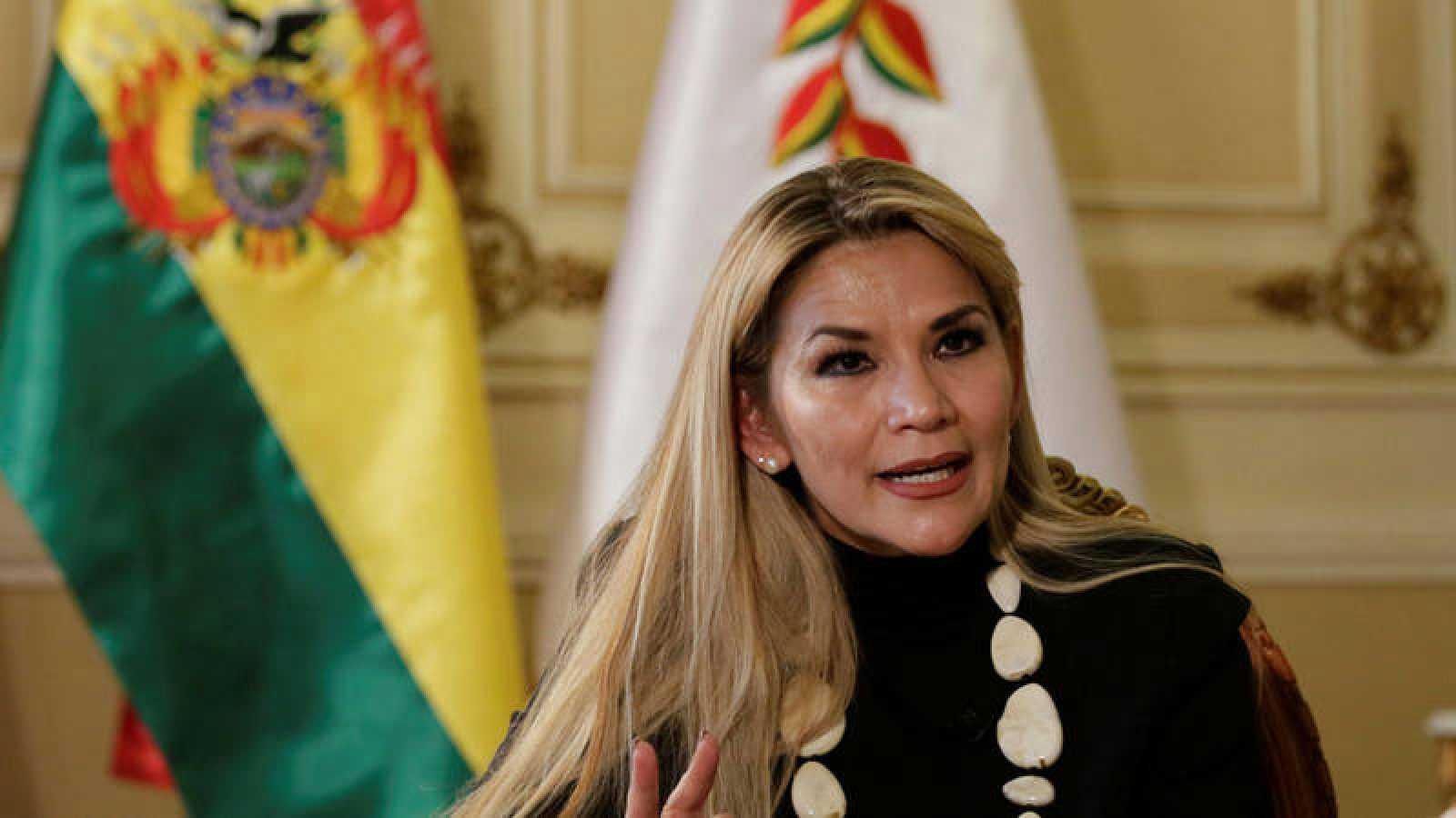 Añez tendrá gabinete para analizar decreto que presuntamente restringe la libertad de expresión