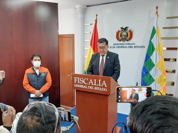 Aprehenden al ministro Navajas y 3 funcionarios de AISEM por la supuesta compra irregular de respiradores