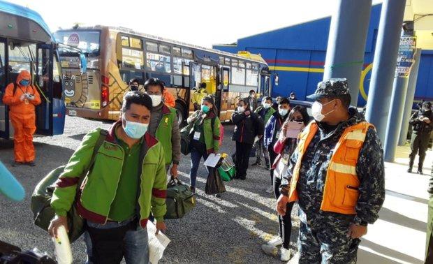 Delegación de 20 médicos de La Paz se trasladan a Beni para reforzar la atención de pacientes con COVID-19