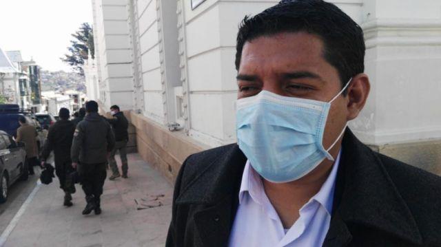 Gobierno solicitará que el ministro de Salud sea citado para declarar por la presunta compra de respiradores con sobreprecio