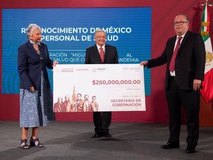 México invertirá $us 11.200.000 para condecorar al personal médico que atiende casos de COVID-19