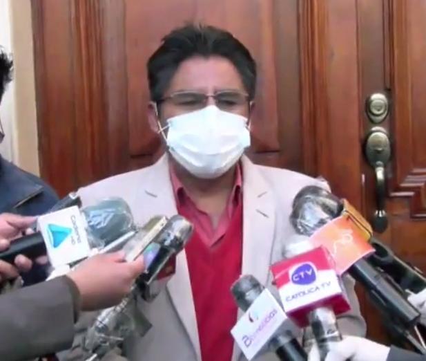 Patzi ratifica a Sahonero como director del SEDES de La Paz