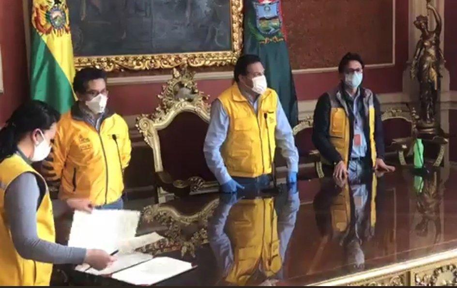 Revilla trabaja en una ley para sancionar con trabajo comunitario a las personas que no acaten las normas de la flexibilización de la cuarentena