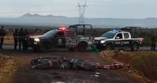 Autoridades policiales de México encuentran 15 cadáveres en una carretera