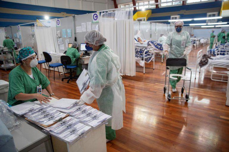 Brasil registra 1.032.913 casos confirmados y 48.954 muertes por COVID-19