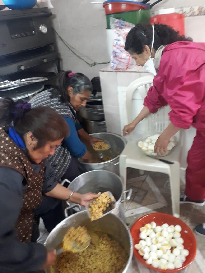 Congregación Monte de Oración entrega 500 barbijos y comida a personas de escasos recursos