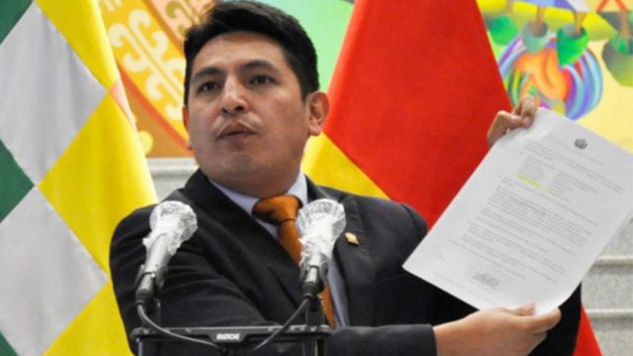 Gobierno investigará viajes de Morales en el avión presidencial