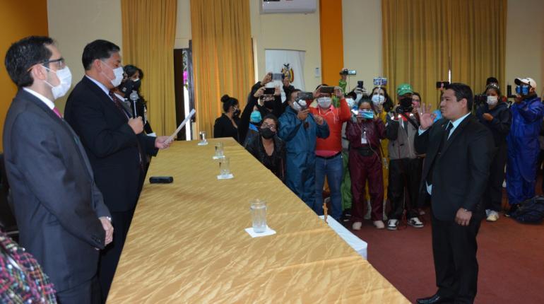 Lanchipa destituye a fiscal departamental de Santa Cruz sin previo aviso
