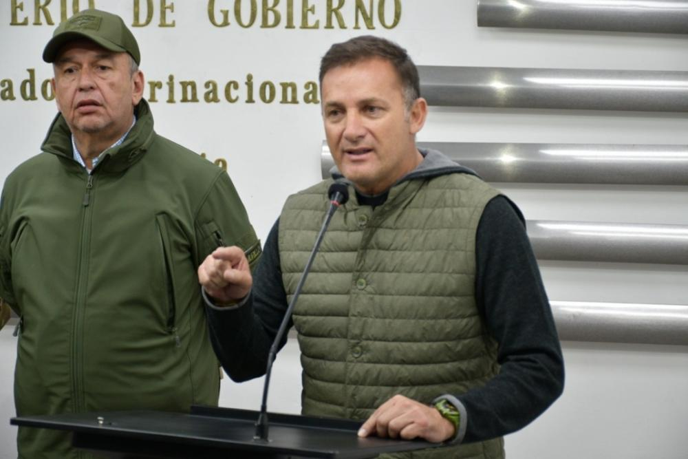 Ministro López envía carta a FFAA para advertir que Morales está intentando convulsionar el país