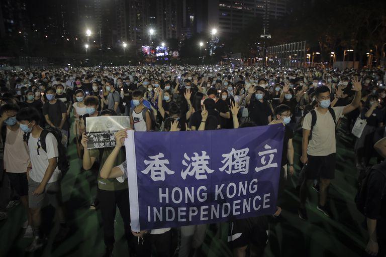 Parlamento de Hong Kong aprueba ley para sancionar a las personas que insulten el himno de China