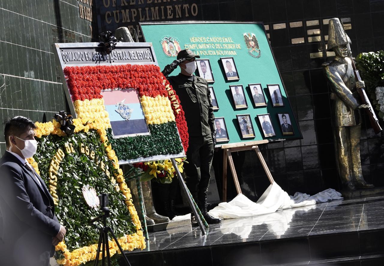 Policía registra 23 policías fallecidos por COVID-19 y anuncia condecoración para efectivos recuperados