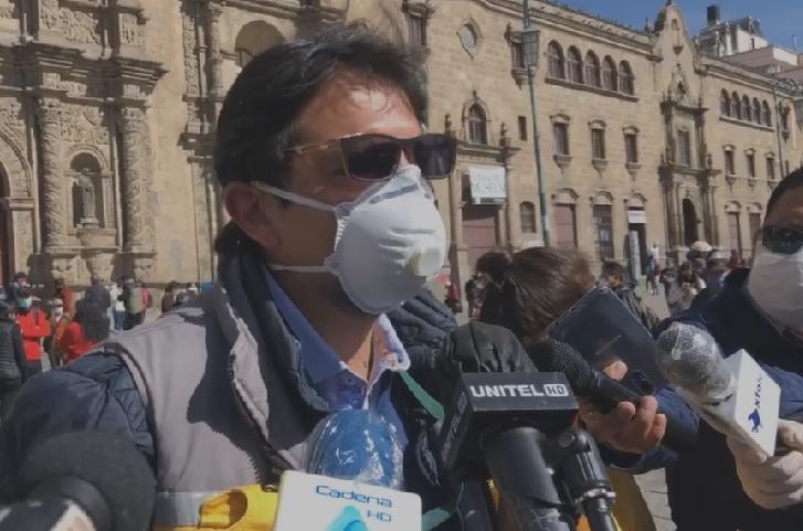 Registran 50 conductores del transporte público que infringieron las medidas de bioseguridad en La Paz