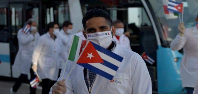 Senadores de Estados Unidos proponen sanciones para países que reciban médicos cubanos