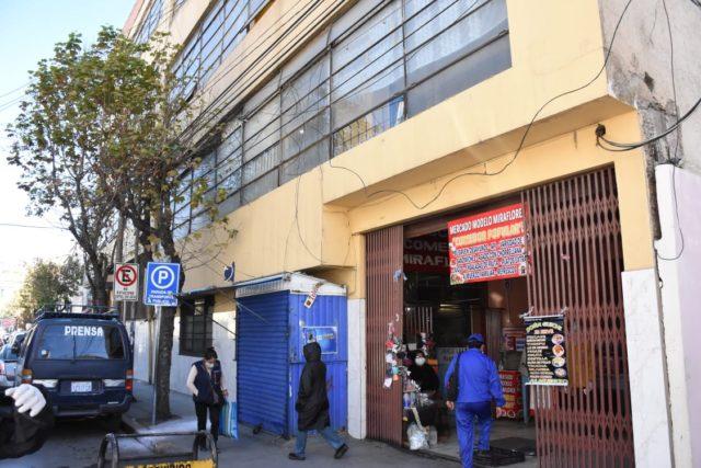 Alcaldía de La Paz cierra 4 mercados tras registrar casos sospechosos de COVID-19