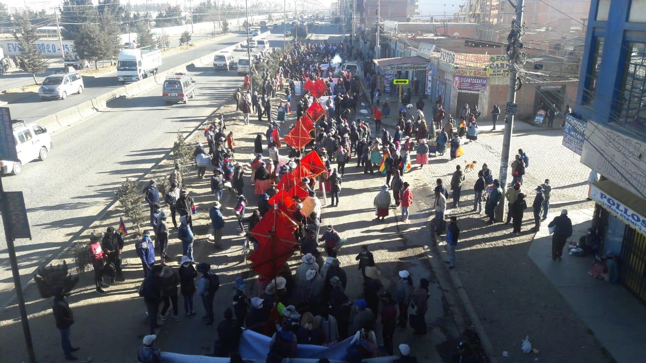 COB realiza marcha en El Alto en rechazo a la postergación de las elecciones