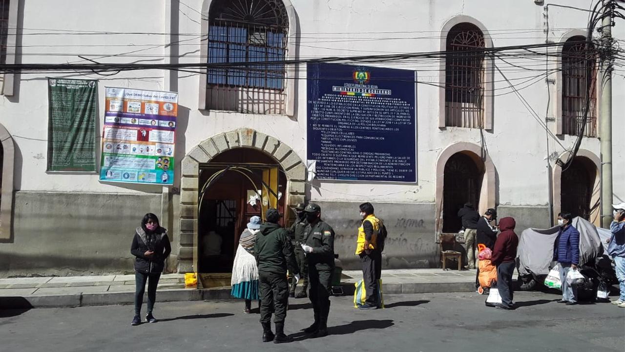 Investigan la muerte de 3 reos en penal de San Pedro que tenían síntomas de COVID-19