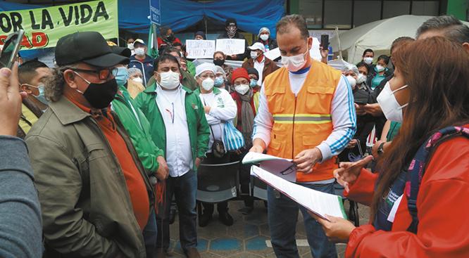 Médicos de Santa Cruz suspenden su paro anunciado tras llegar a un acuerdo