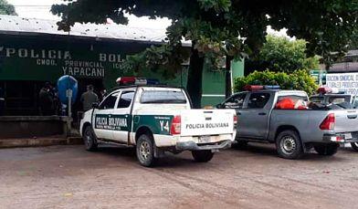 Policía retorna a Yapacaní tras lograr acuerdo para garantizar su trabajo