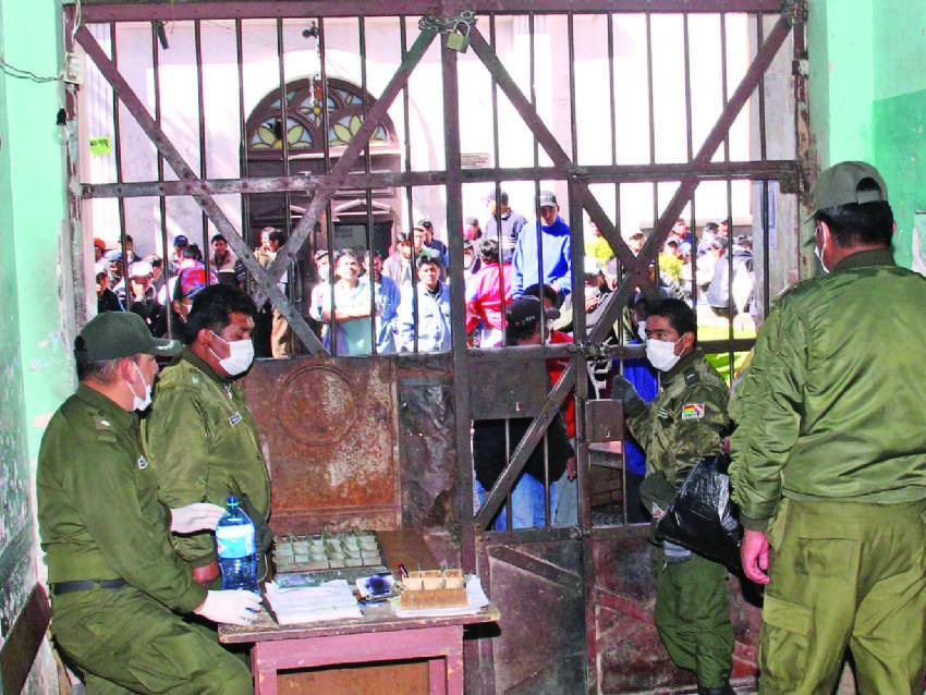 Régimen Penitenciario registra 7 fallecidos que presuntamente tenían COVID-19 en el penal de San Pedro